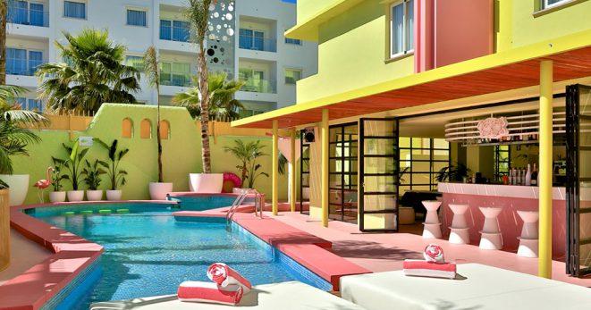 10 hoteles especiales para escaparse este verano for Hoteles especiales madrid